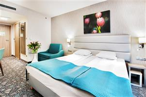 The Golden Tulip Krakow Kazimierz Is A Brand New 4 Star Hotel In Enjoy Convenience Of Modern Building With An Ideal Location Near Many