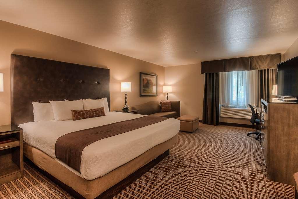 Smoking Hotel Rooms Yakima