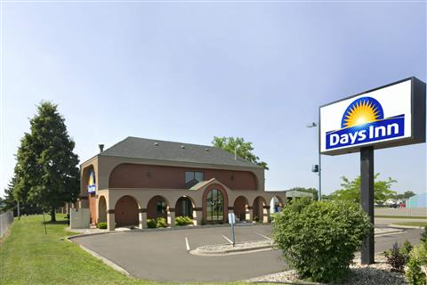 Welcome to the Days Inn Wilmar.