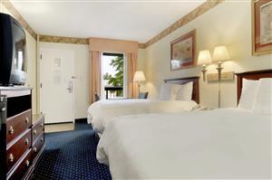 Room - Baymont Inn & Suites Tallahassee
