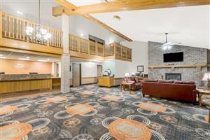 Lobby - Baymont Inn & Suites Marshalltown