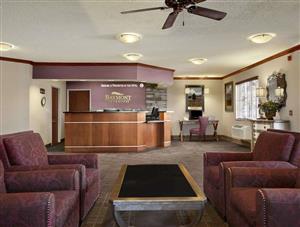 Lobby - Baymont Inn & Suites Golden