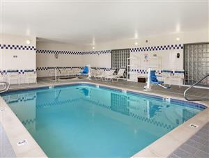 Pool - Baymont Inn & Suites Golden