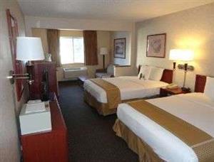 Room - Baymont Inn & Suites Golden