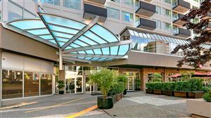 Exterior view - Best Western Plus Chateau Granville Hotel Vancouver