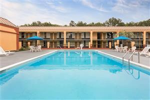 Pool - Days Inn South Orangeburg