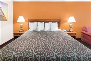 Room - Days Inn South Orangeburg