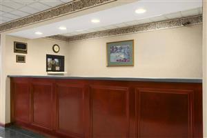 Lobby - Days Inn Lexington