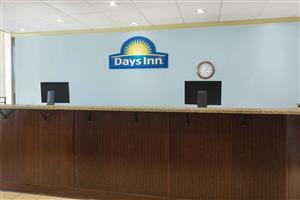 Lobby - Days Inn Patriots Point Mt Pleasant