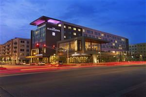 Restaurants Near The Alexander Hotel Indianapolis