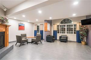 Lobby - Microtel Inn & Suites by Wyndham Springfield