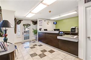 Lobby Studio 6 Extended Stay Hotel South Arlington