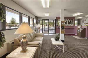 Lobby - Super 8 Hotel Richburg