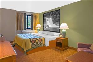 Hotels Near Howe Indiana