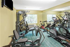 Fitness/ Exercise Room - Ramada Limited Hotel Airport Louisville