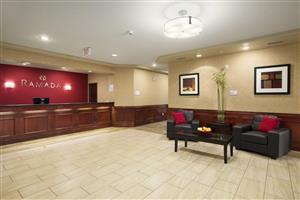 Lobby - Ramada Hotel Edson