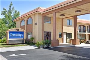 Hotels Near Palm Desert High School